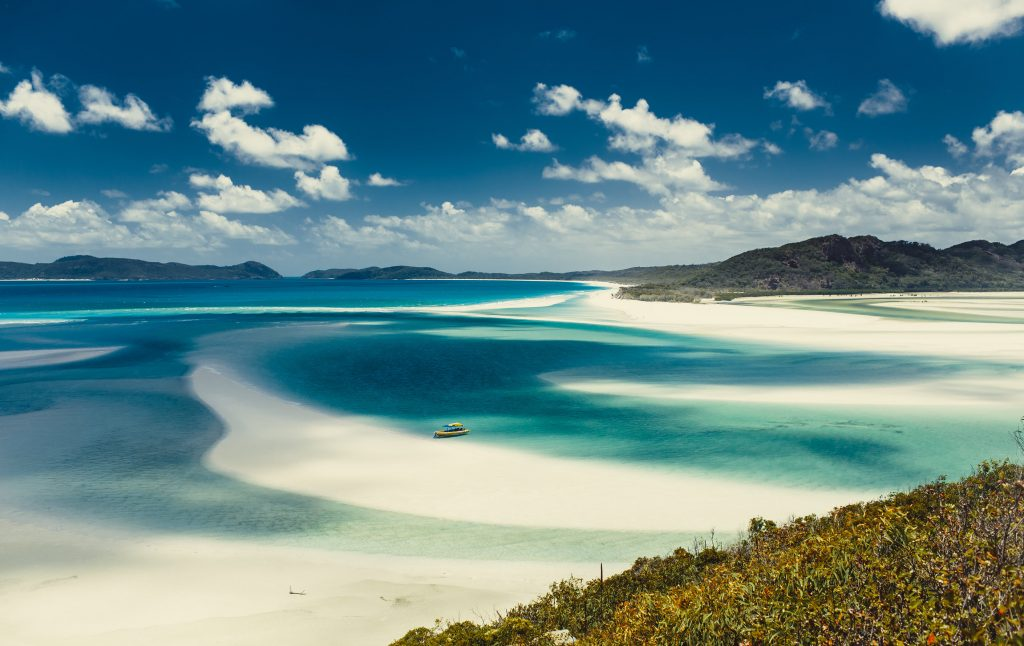 The crystal clear waters of Whitehaven Beach