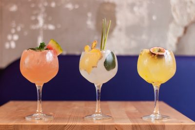 Cocktails. Photographed by Louis Hansel. Image via Unsplash