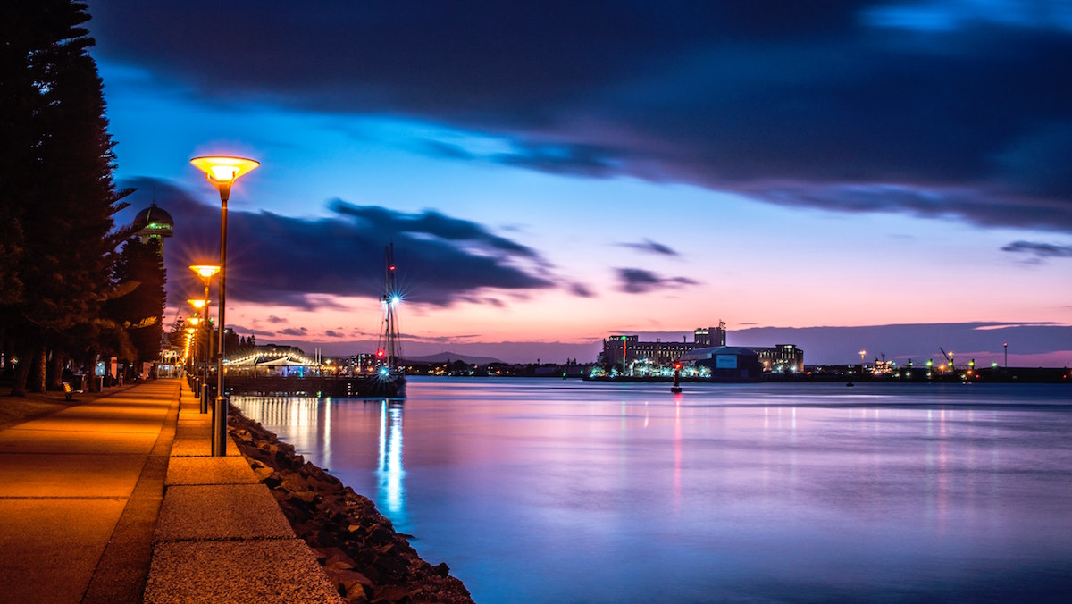 Newcastle foreshore in the evening. Image by Gilly Tanabose via Unsplash.
