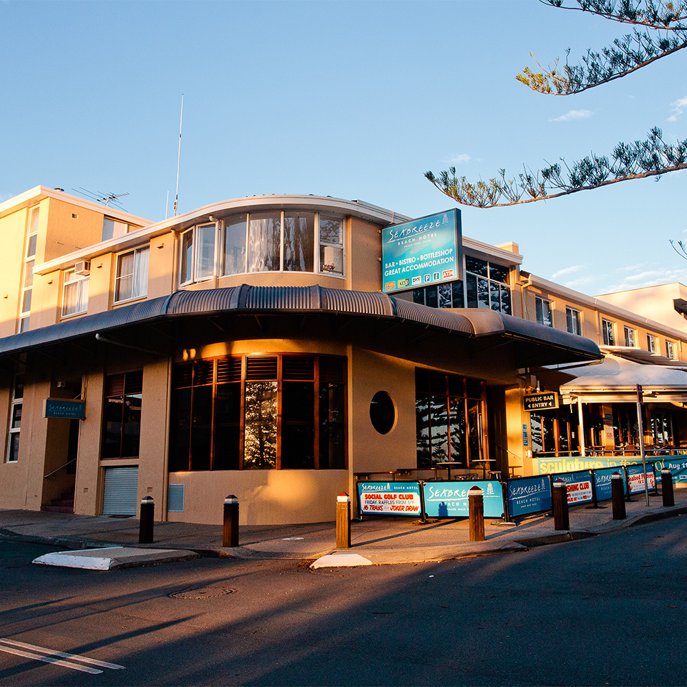 <strong>Seabreeze Beach Hotel</strong>