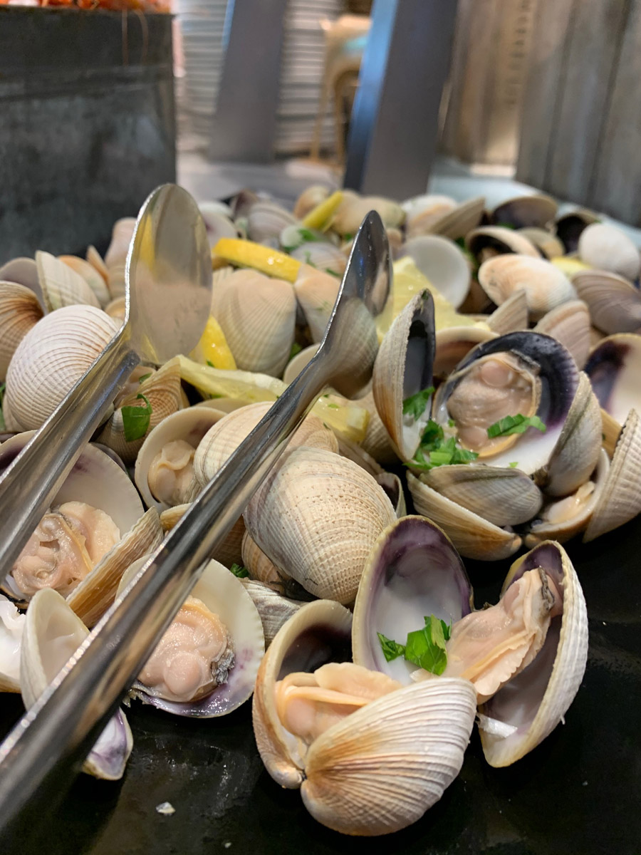 Muscles from the FEAST seafood buffet. Image via Rebecca Cherote for Hunter and Bligh.