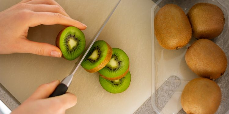 Kiwi Fruit Health Vitamin C Chopping Board. Image: K8 on Unsplash