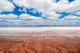 Kati Thanda-Lake Eyre National Park, South Australia. Photographed by hlphoto. Sourced via Shutterstock