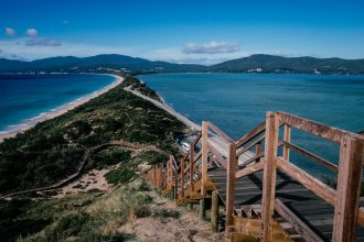 Bruny Island Isthmus. Image by Tamara Thurman via Unsplash.