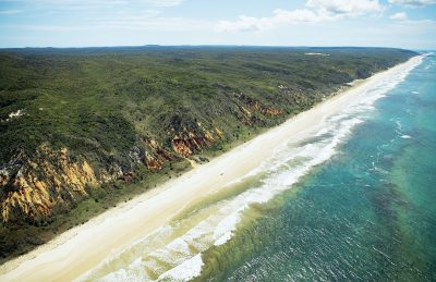 Seventy Five Mile Beach, Fraser Island. Image Provided by Tourism and Events Queensland.