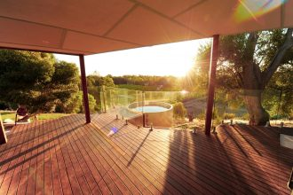 Rogasch Cottage private plunge pool deck. Image supplied by Rogasch Cottage.