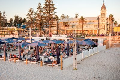 The Moseley Beach Club, Glenelg. Photographed by amophoto_au. Image via Shutterstock.