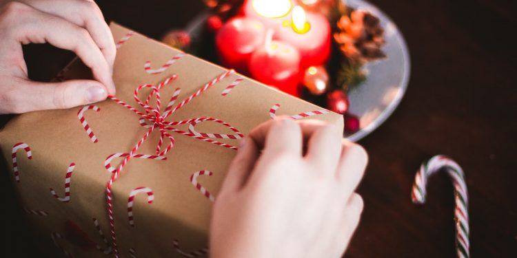 Christmas Gift Guide 2020 The 10 Best Gifts for the Foodie. Photographed by Kira auf der Heide. Image via Unsplash